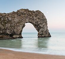 The Moon at Durdle Door by mattcattell