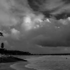 storm at cottesloe  by warren dacey