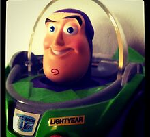 Focus yourself, Buzz ! by Hernluc