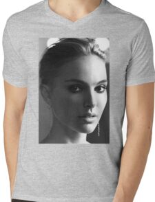 Natalie Portman Mens V-Neck T-Shirt