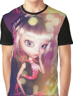 Cachou-Gwendolynn Graphic T-Shirt