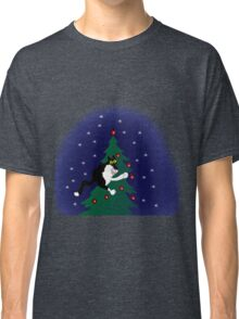 Xmas mischief: for the love of trees! Classic T-Shirt
