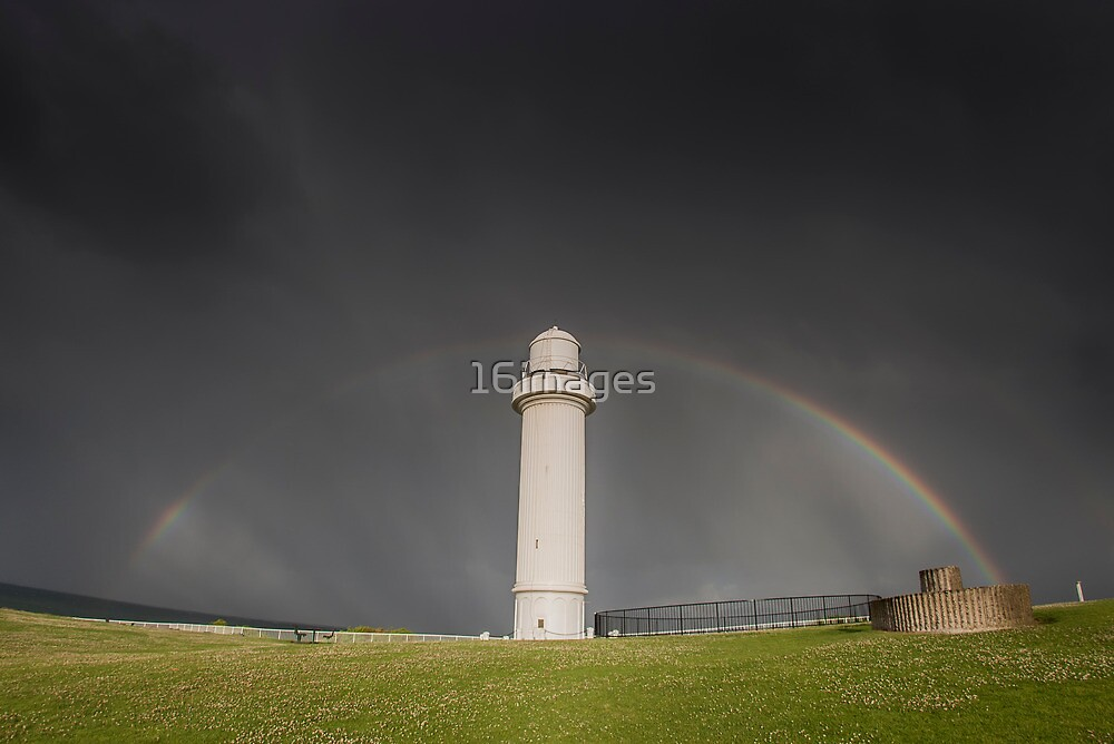 Wollongong Lighthouse by 16images