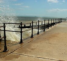 Kingsdown - Shore & Waves  by rsangsterkelly