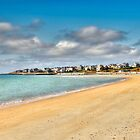 Round Hill Beach by Poete100