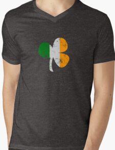 Vintage Irish Flag Clover St Patricks Day Mens V-Neck T-Shirt