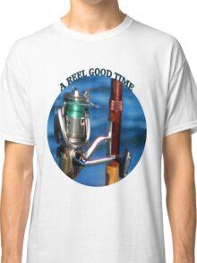 <º))))>< A REEL GOOD TIME FISHERMANS TEE SHIRT<º))))><      Classic T-Shirt