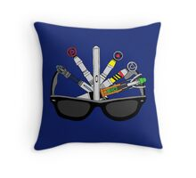 sonic doctor Throw Pillow