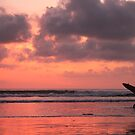 A surfer returning by anjumura