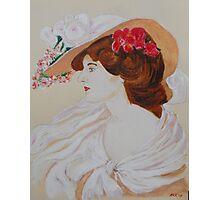 Belle Femme au Chapeau Fleuri Photographic Print
