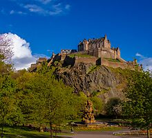 Edinburgh castle and the Ross fountain by Graeme Ross