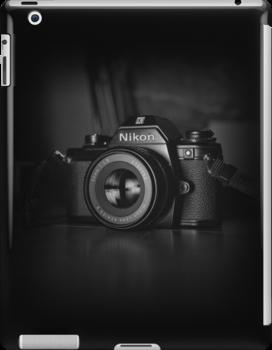 Nikon EM / iPad by Thierry Vincent