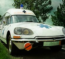 Ambulance by RiccardoFranke