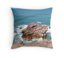 'Red Rock'! New South Wales north coast, Australia. Throw Pillow
