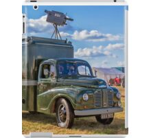 "1953 Austin Lodestar TV Vehicle RXX905 ""Thumper"" iPad Case/Skin"