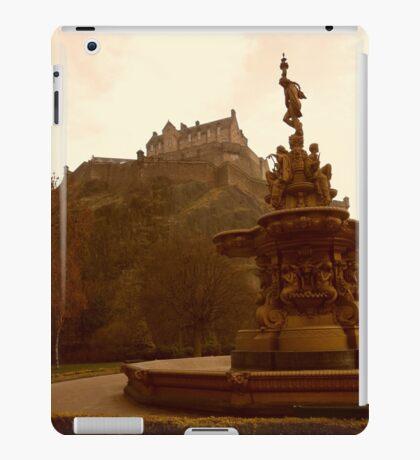 Edinburgh Castle & Fountain - portrait style iPad Case/Skin