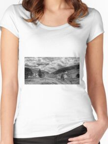 The way out of town - B&W Women's Fitted Scoop T-Shirt
