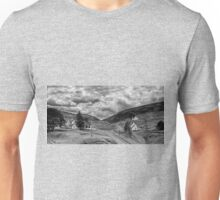 The way out of town - B&W Unisex T-Shirt