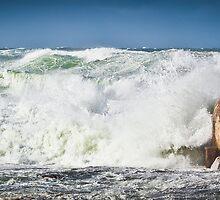 Huge Seas -Newcastle  by RGA Photography