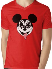 Mickey Kiss Mens V-Neck T-Shirt