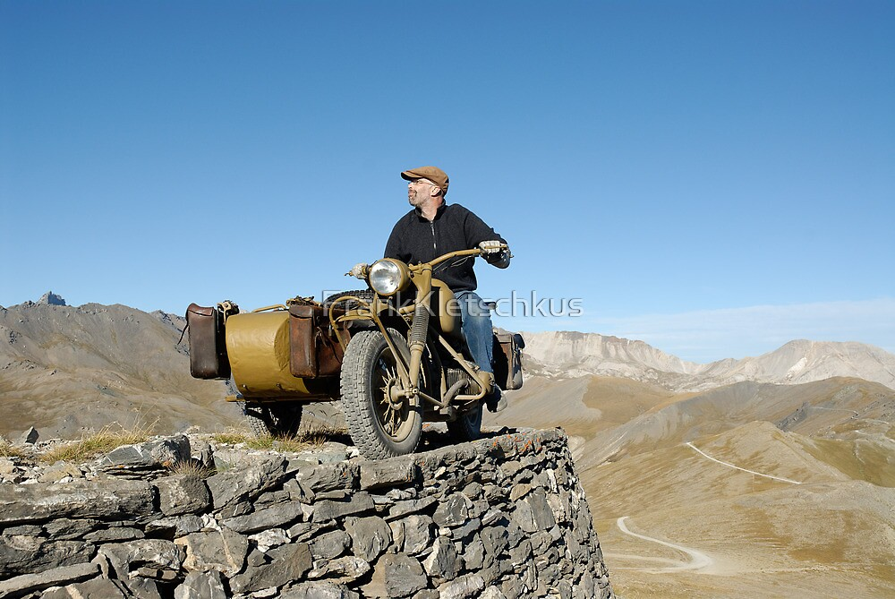BMW R75 on the track to the top of Monte Jafferau by Frank Kletschkus