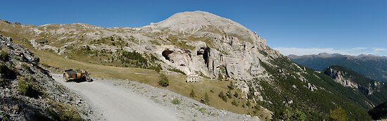 BMW R75 on the road to the top of Monte Jafferau by Frank Kletschkus