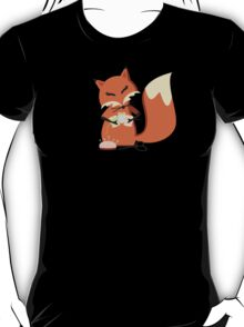 Cute fox seamstress sewing thread scissors T-Shirt