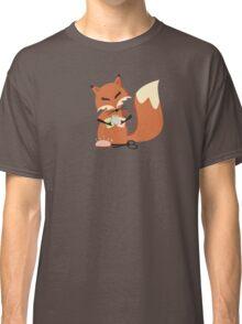 Cute fox seamstress sewing thread scissors Classic T-Shirt