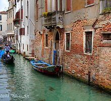 Scrolling trough Venice by John44