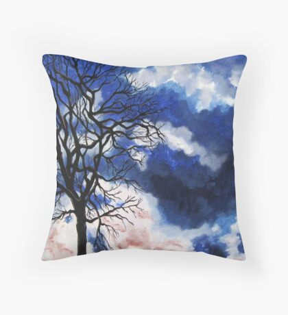 I wandered lonely as a .... Throw Pillow