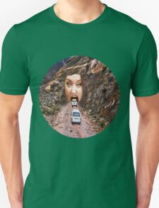 (✿◠‿◠) FACE IN MOUNTAIN OPEN MOUTH DRIVE THROUGH TEE SHIRT (✿◠‿◠) T-Shirt
