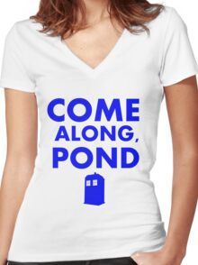 Come alond, Pond (With TARDIS)  Women's Fitted V-Neck T-Shirt