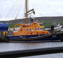 Lerwick lifeboat in harbour by Sam Pearson
