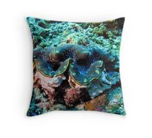 Giant Clam - Gili Trawangan, Lombok Indonesia Throw Pillow