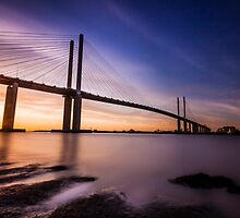 Queen Elizabeth II Bridge by Ian Hufton