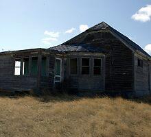 The House - Weyburn, Saskatchewan, Canada by mdoborski
