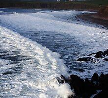 Rolling Waves by aidan  moran