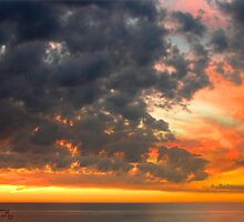 Sunset and Clouds by MariarosaR