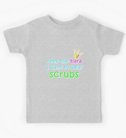 I want to wear scrubs (white outline) Kids Tee
