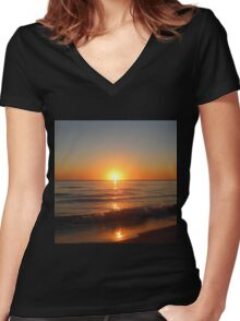 Southern Sunset Women's Fitted V-Neck T-Shirt