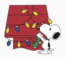 Snoopy Christmas Decorations by CeaserTee