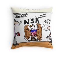 Liu Bolin et le NSA Throw Pillow