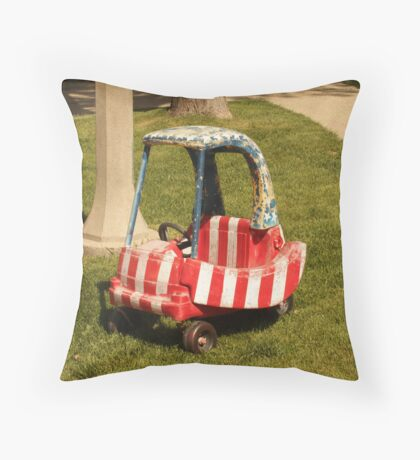 Patriotism Throw Pillow