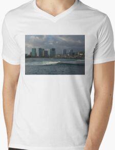 Sailing Into Honolulu, Hawaii Mens V-Neck T-Shirt