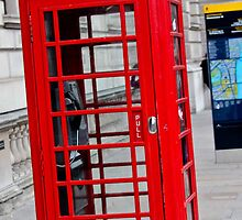 London Telephone Box by ejrphotography