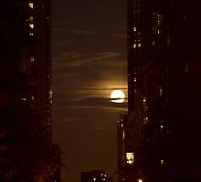 NYC Super Moon by DreamsOnSet