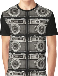 YASHICA_B&W Graphic T-Shirt