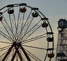 Ferris Wheel & Cuckoo by trentontrim