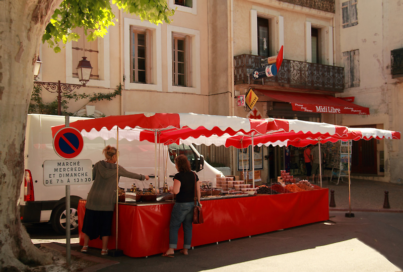 Le jour du marché by Paul Pasco