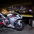 Yamaha R1 by Jan Glovac Photography